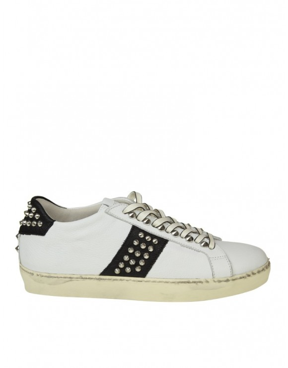 LEATHER CROWN SNEAKERS IN PELLE BIANCO E NERO CON BORCHIE