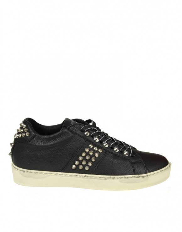 LEATHER CROWN SNEAKERS IN PELLE COLORE NERO CON BORCHIE ARGENTATE