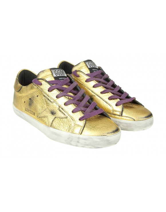 "GOLDEN GOOSE SNEAKERS ""SUPERSTAR"" IN PELLE LAMINATA COLORE ORO"