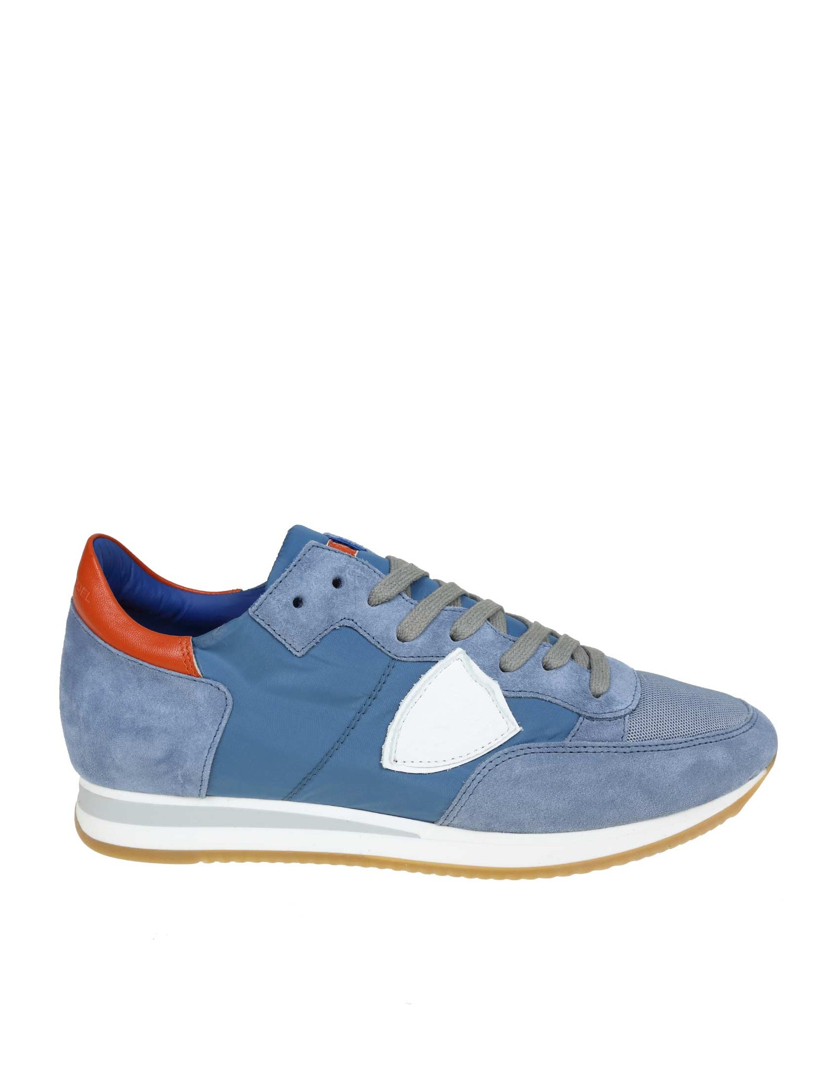 Tropez sneakers with suede toe and heel. Light blue. Heel in leather in  contrasting red. Model with round tip. Upper in fabric and suede. Closure  with laces 4f0d7c9543d